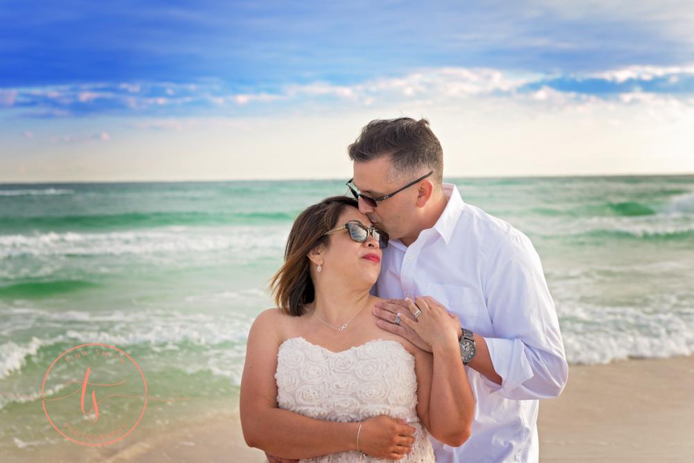 wedding couple destin beach