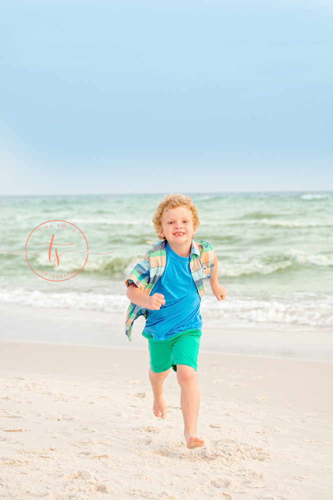 rosemary beach photographer boy running on the beach